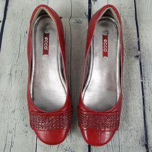 ECCO   chili red studded bouillon flats